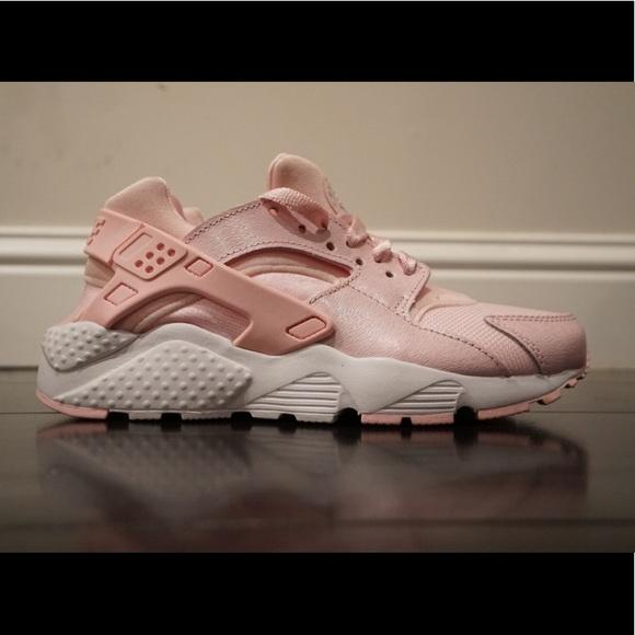 online store a68f1 382ca Nike Air Huarache Run SE Pink White 904538-600